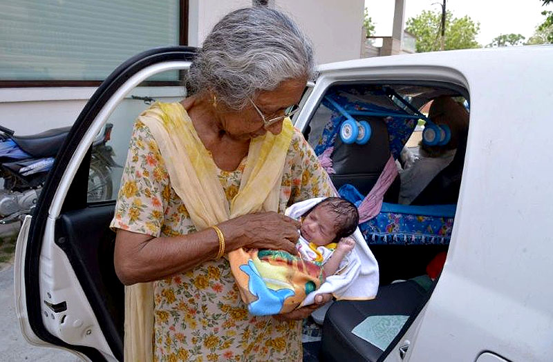 70 Years Old Indian Lady Gives Birth to First Baby